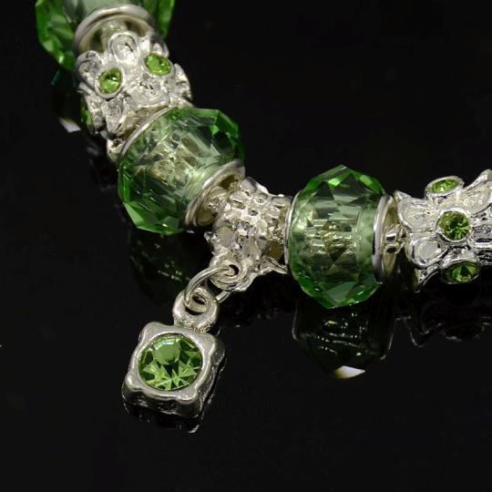 Elegantní náramek zelený (18cm)
